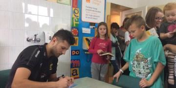 Michał Winiarski odwiedził dzieci w łódzkim szpitalu