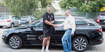 Auta Renault dla siatkarzy i trenera PGE Skry od ASOS Sajewicz