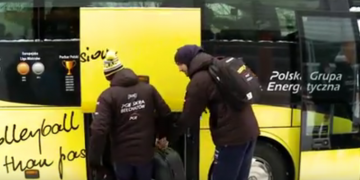 Żółto-czarny autokar ruszył do Wrocławia!