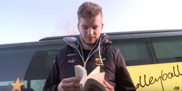 PGE Skra czyta w podróży