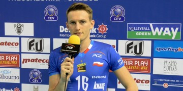 Kacper Piechocki, Marcin Janusz i Artur Szalpuk po meczu z PAOK-iem