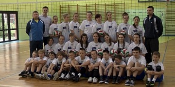 SKRA.TV w Bąku Volley School!