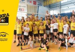 Wakacje z PGE Skrą 2019 - spotkanie z prezesami, zwiedzanie klubu, trening